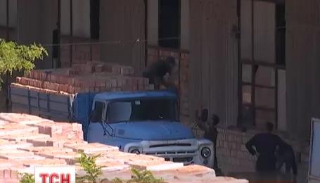Двоє людей загинуло на цегельному заводі у Чернівцях