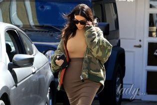 В объективе папарацци: Ким Кардашьян не носит нижнее белье