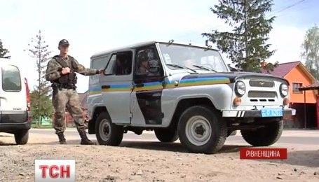 Полицейские станции открыли в Ровенской области для остановки незаконной добычи янтаря