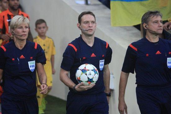 Українські арбітри обслужать матч Ліги націй
