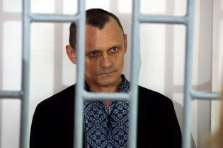 """""""Били током, давали психотропы и не позволяли спать"""": освобожденный Карпюк рассказал о жестоких пытках в русском плену"""