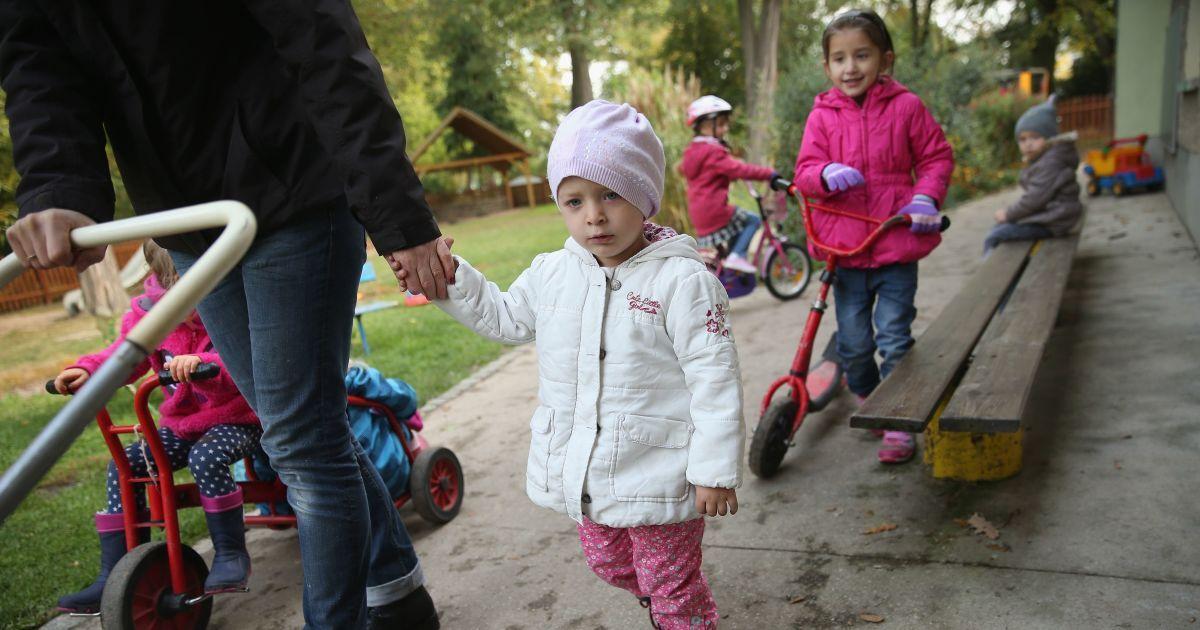 В столичном детском саду массово отравились дети, 5 воспитанников попали в больницу