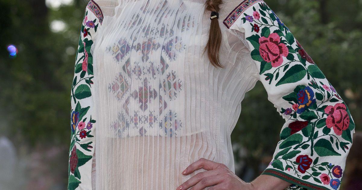 Современные, винтажные и неординарные: известный украинсий дизайнер познакомит французов с вышиванками