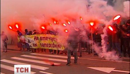 """После Рады сотни бойцов """"Азова"""" поехали в Борисполь и Жуляны"""