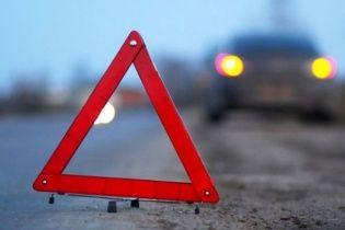 Во Львовской области автомобиль с пассажирами упал с моста