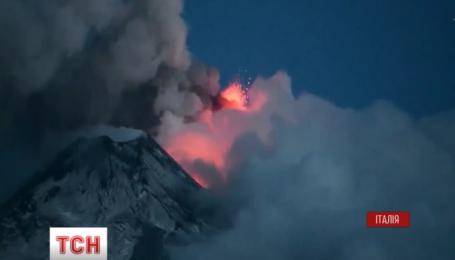 Активизировался самый высокий в Европе вулкан