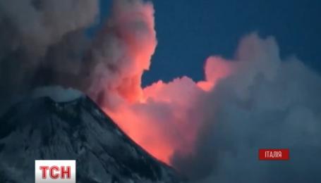 Італійці розповіли про свої враження від виверження найвищого у Європі вулкану