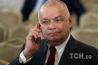 """Пропагандист Кисельов посперечався з """"продуктами"""" своєї брехні"""