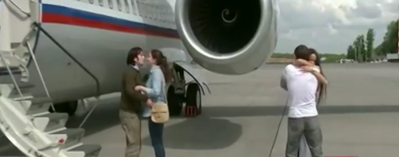 Кордон України перетнув літак, яким перевозили ГРУвців при обміні Савченко