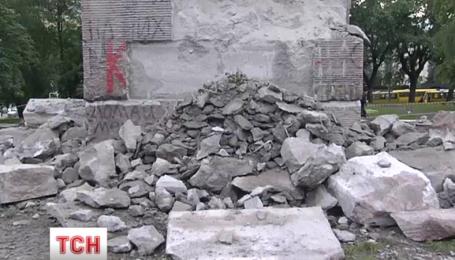 Невдачею закінчилась третя спроба знести пам'ятник чекістам