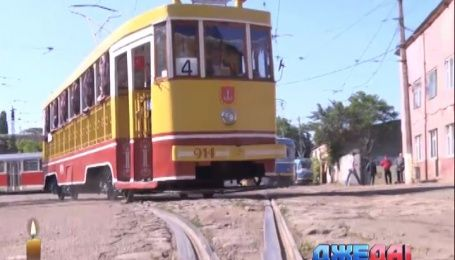 В Одессе начал курсировать ретро-трамвай