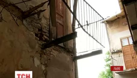 Во Львове обвалился балкон