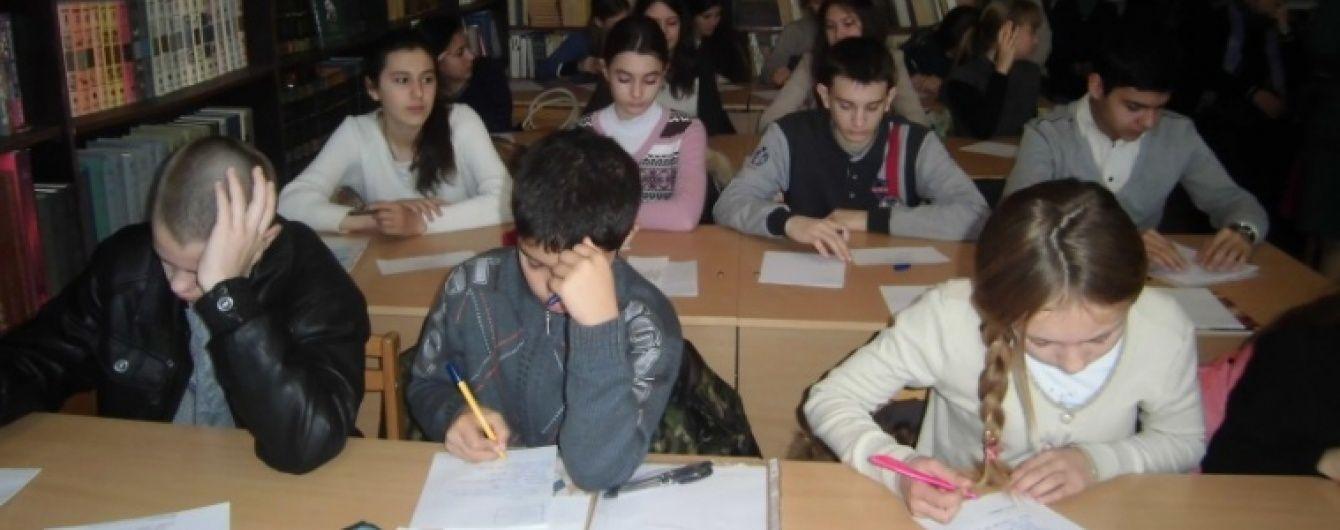 """ФСБ почала проводити """"виховні розмови"""" з кримськотатарськими школярами"""