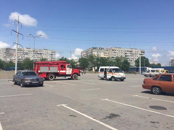Евакуація ТРЦ у Маріуполі