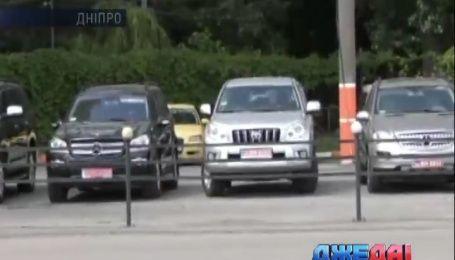В Днепре воры украли машину прямо из-под МРЭО