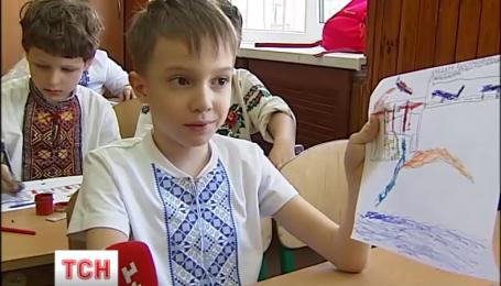 В День захисту дітей новини на ТСН.ua ілюстрували дитячими малюнками