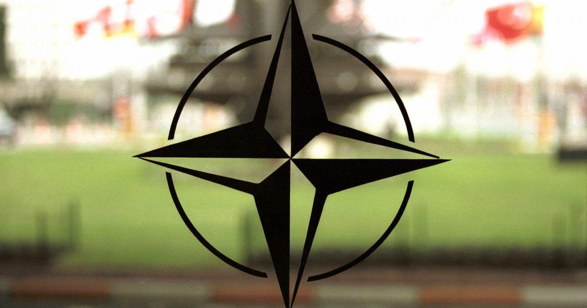 Министр обороны США обсудит с НАТО борьбу против российской агрессии