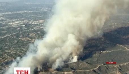 В Лос-Анджелесе массовая эвакуация людей из-за огненной угрозы