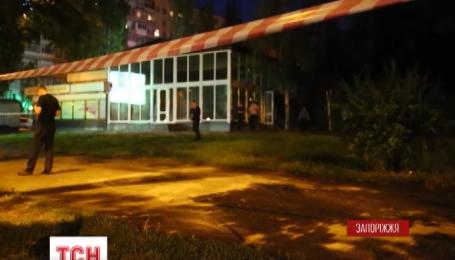 В Запорожье неизвестные выстрелили из гранатомета в тамошнюю шашлычную