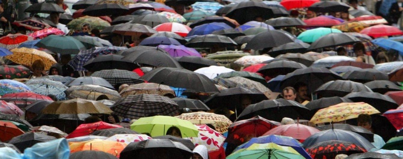 Часть Украины польют грозовые дожди и будет жарко. Прогноз погоды на вторник
