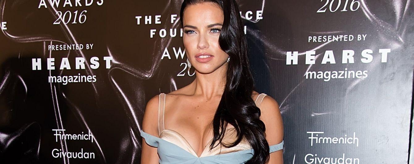 Красная дорожка Fragrance Foundation Awards: самые сексуальные образы звезд