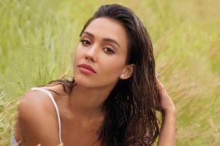 Естественная красота: Джессика Альба показала лицо без косметики