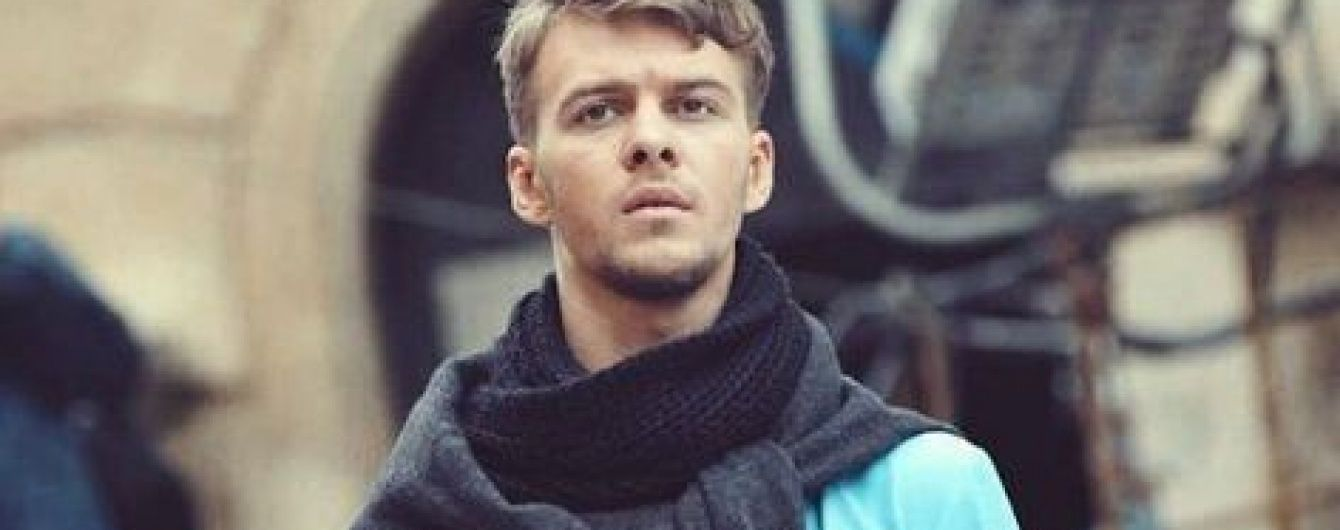 У центрі Києва обікрали квартиру відомого співака