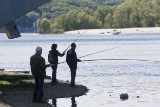 На части водоемов завершился период нереста – рыбакам разрешили вылов рыбы