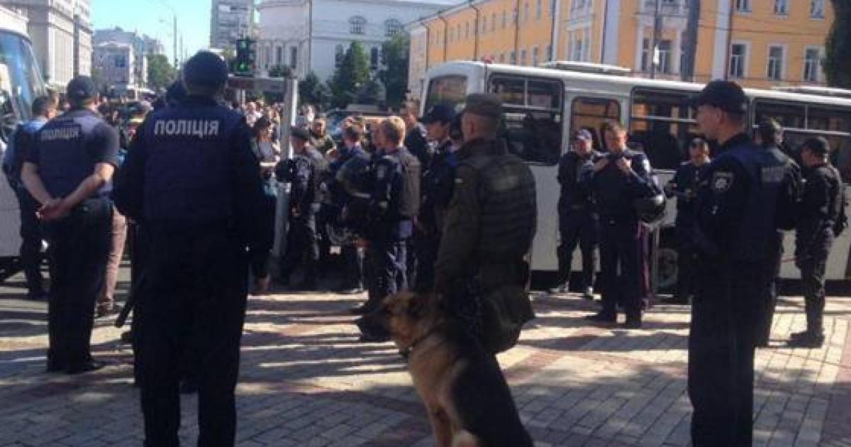 За порядком стежать 6 тисяч силовиків @ ГУ Національної поліції в Київській області