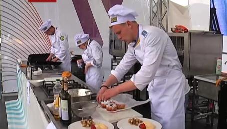 20 найкращих кухарів України зібралися на Буковелі, щоб взяти участь в кулінарному конкурсі