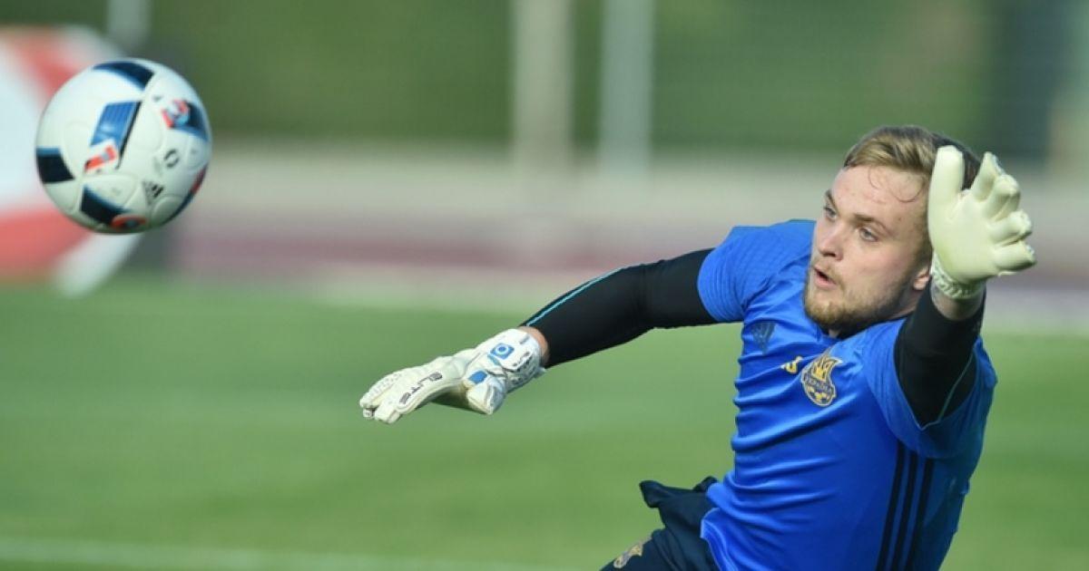 Гравці збірної України провели відкрите тренування для масмедіа
