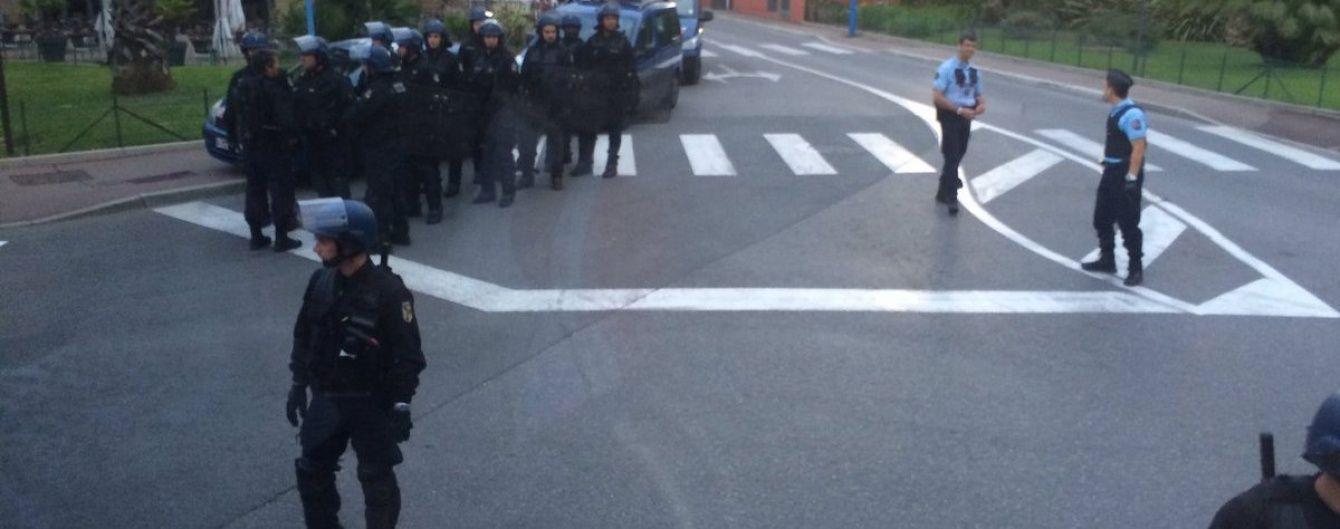 Французький спецназ затримав автобус з російськими вболівальниками
