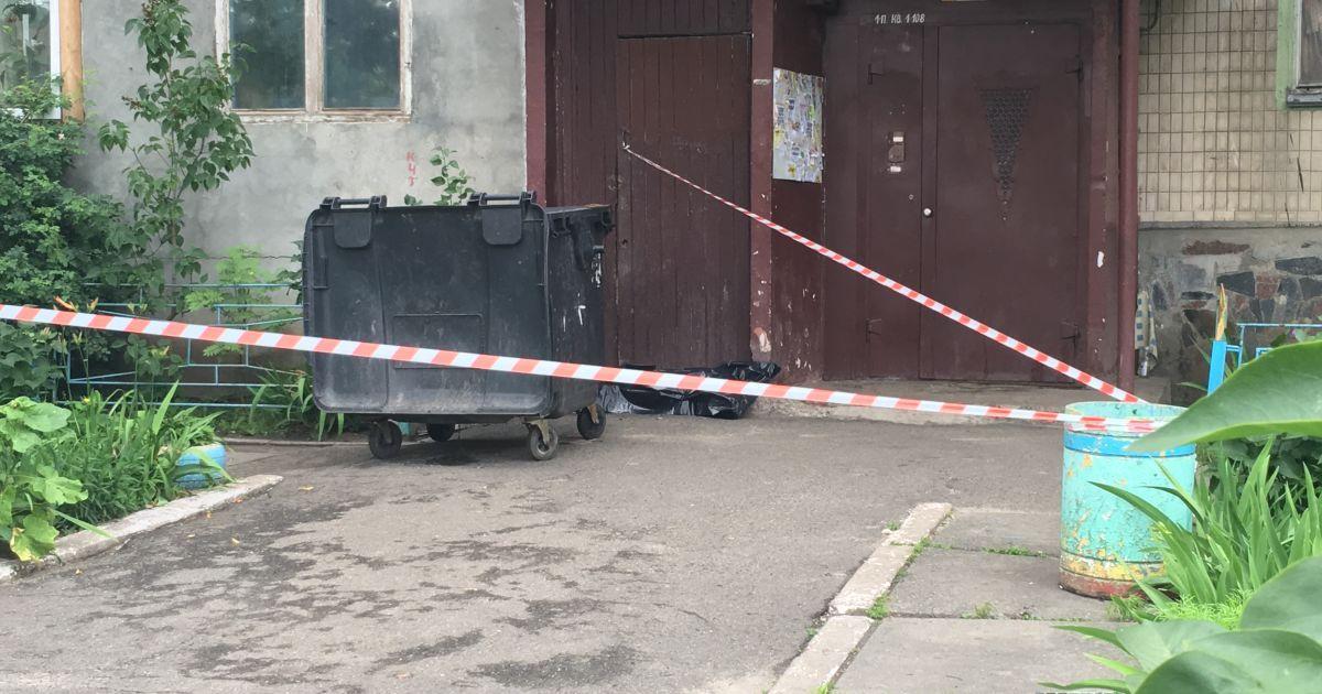 Полиция нашла роженицу, которая выбросила младенца в мусоропровод на Оболони