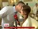 Кличко поцілував журналістку замість відповіді на питання про дружину