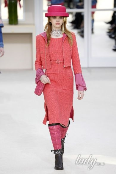 Коллекция Chanel прет-а-порте сезона осень-зима 2016-2017_9