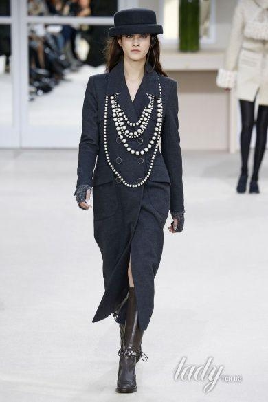 Коллекция Chanel прет-а-порте сезона осень-зима 2016-2017_39