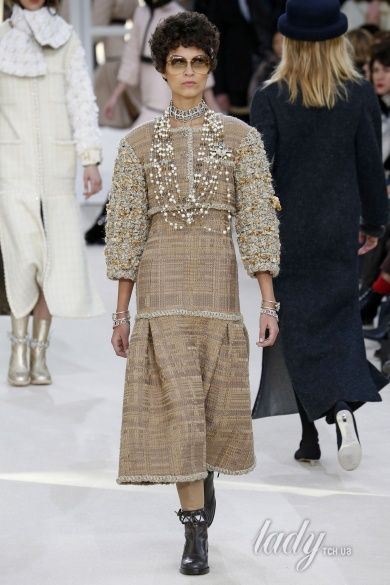 Коллекция Chanel прет-а-порте сезона осень-зима 2016-2017_49