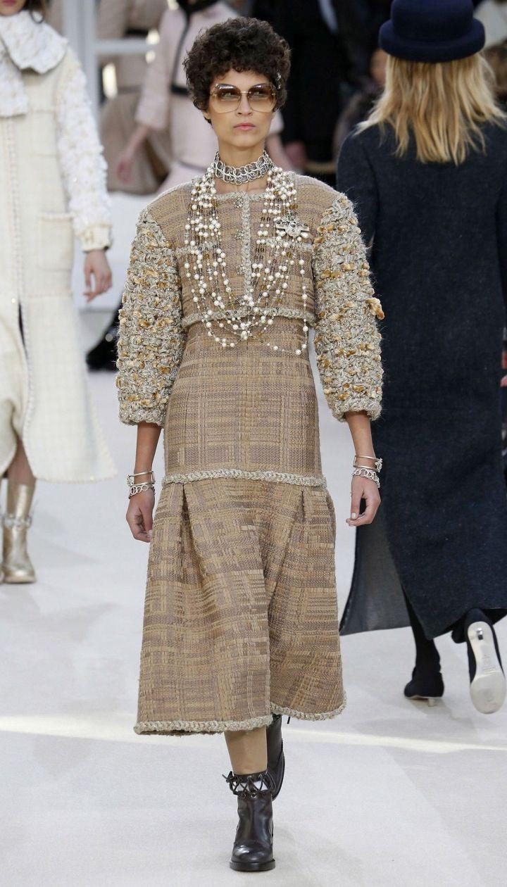Коллекция Chanel прет-а-порте сезона осень-зима 2016-2017 @ East News