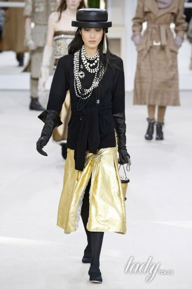 Коллекция Chanel прет-а-порте сезона осень-зима 2016-2017_68