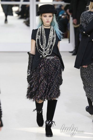 Коллекция Chanel прет-а-порте сезона осень-зима 2016-2017_80