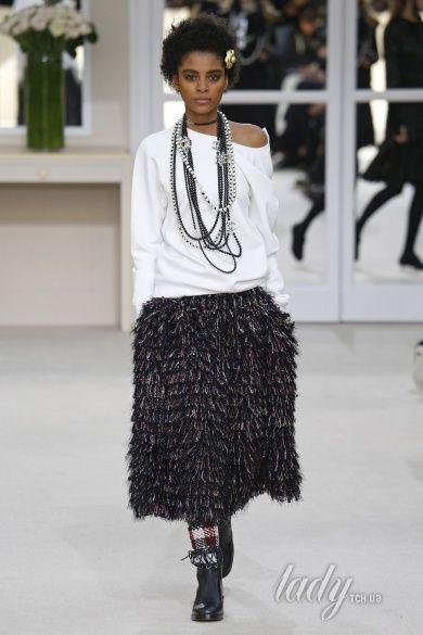 Коллекция Chanel прет-а-порте сезона осень-зима 2016-2017_83