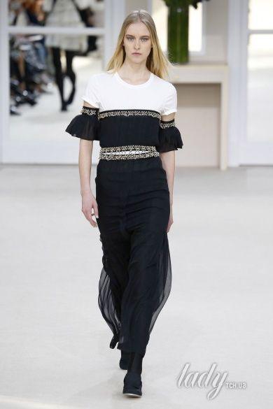 Коллекция Chanel прет-а-порте сезона осень-зима 2016-2017_90