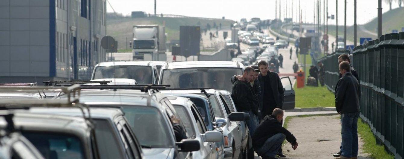 Черги на кордоні з Польщею триматимуться до кінця тижня