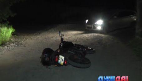 Возле гаражного кооператива нашли мотоциклиста без признаков жизни