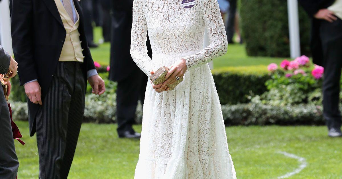 Герцогиня Кембриджская впечатлила нарядом от Dolce & Gabbana