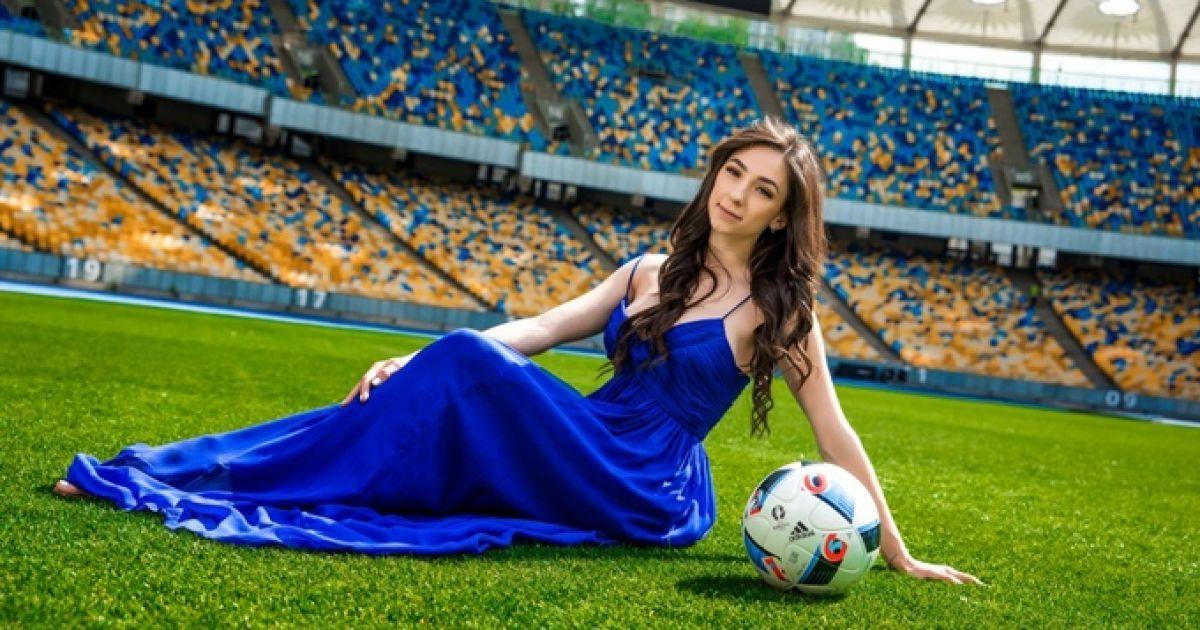 редкие фото жен футболистов фундук перемалываем помощью