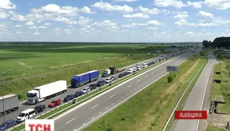 Западная граница с Польшей до сих пор парализована