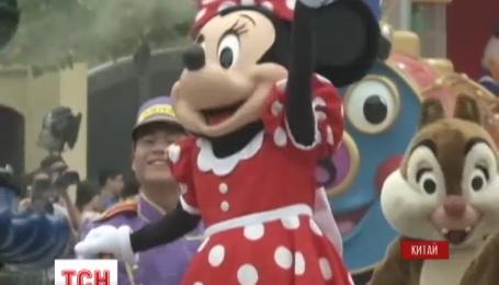 """В Китае открыли парк развлечений """"Диснейленд"""""""