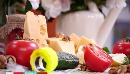 Как не дать засохнуть сыру - совет на минутку