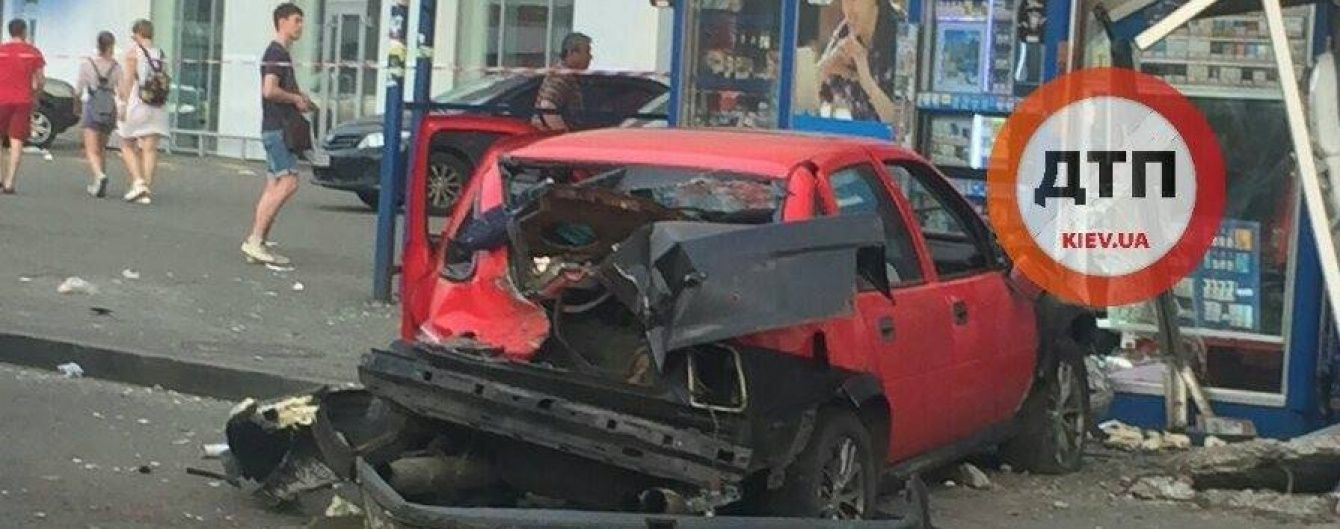 Двоє постраждалих у кривавій аварії на Петрівці досі в реанімації